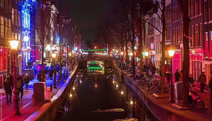 Pays-Bas - Amsterdam va réguler le tourisme dans le Quartier rouge