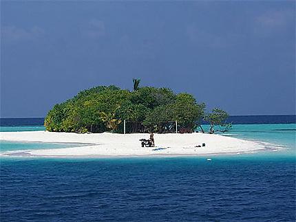 Ile vierge dans l'atoll Vaavu