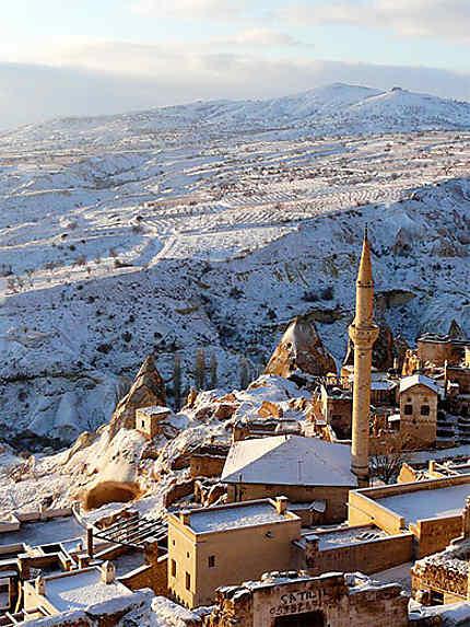 Uchisar sous la neige