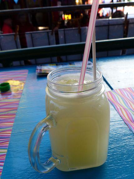 Une limonade bien fraîche, un pur moment!