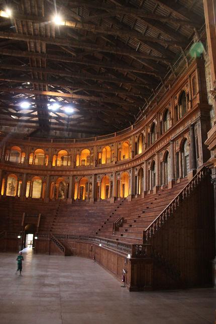 Parme, Théâtre Farnese