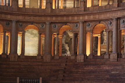Parme, Théâtre Farnese, les gradins