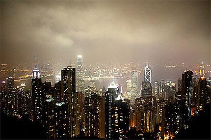 Et Hong Kong s'illumina