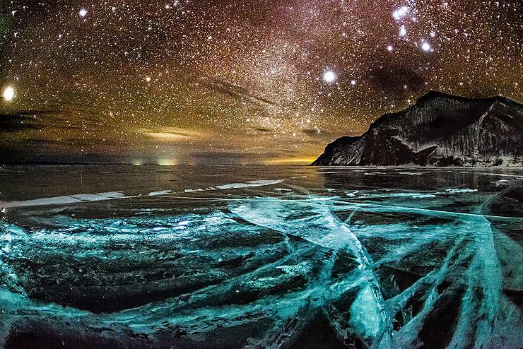 Nuit étoilée sur le Lac Baïkal, Russie