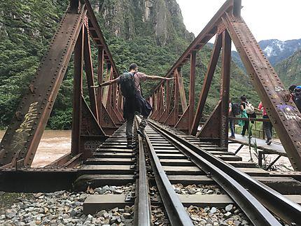 On dirait le pont de la riviere Kwai