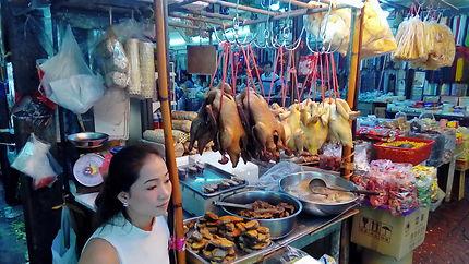 Du poulet dans tous les plats à Chinatown