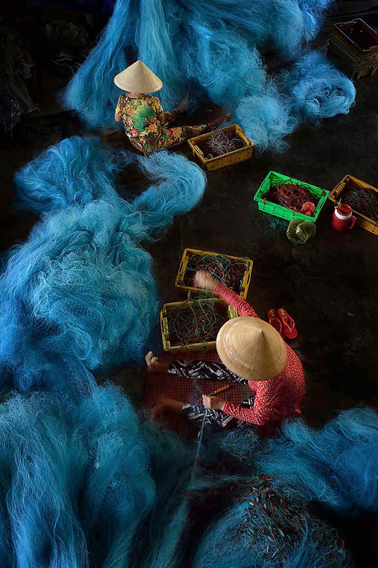 Fabrication des filets de pêche à Bạc Liêu, Vietnam