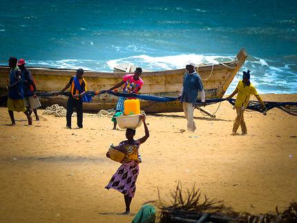 Pêcheurs béninois en action
