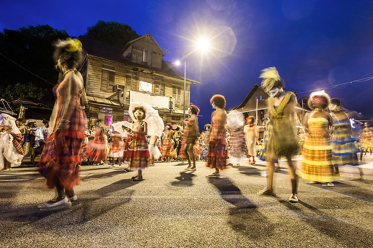 Plaisirs guyanais : le carnaval, la gastronomie et les plages