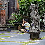 Prière au Temple Saraswati
