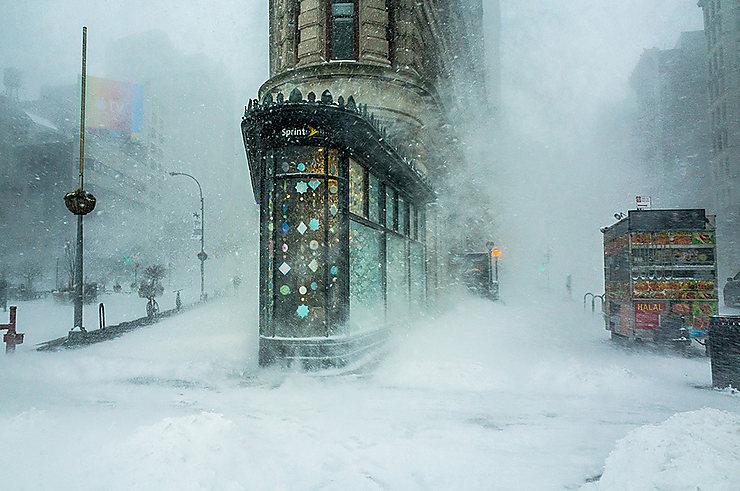 Flatiron Building dans la tempête de neige Jonas, New York, USA