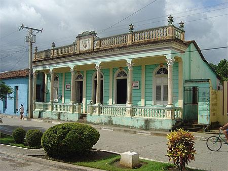Maison coloniale baracoa oriente cuba for Maison mason