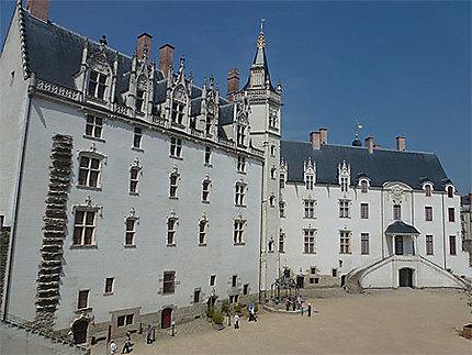 Le beau château des ducs de Bretagne
