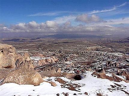 Cheminée de fée vue du Château d'Uchisar