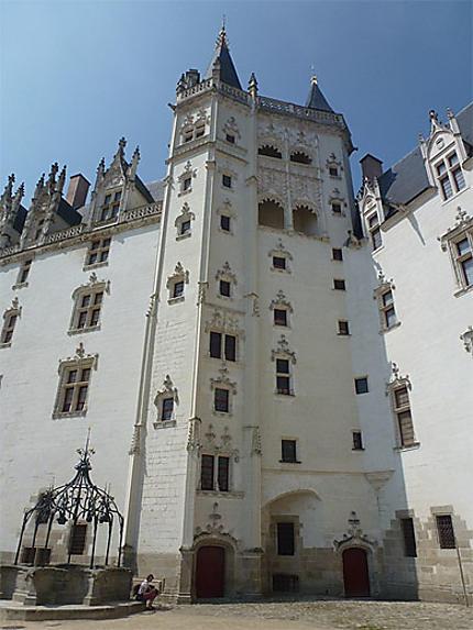 La tour de la Couronne d'Or