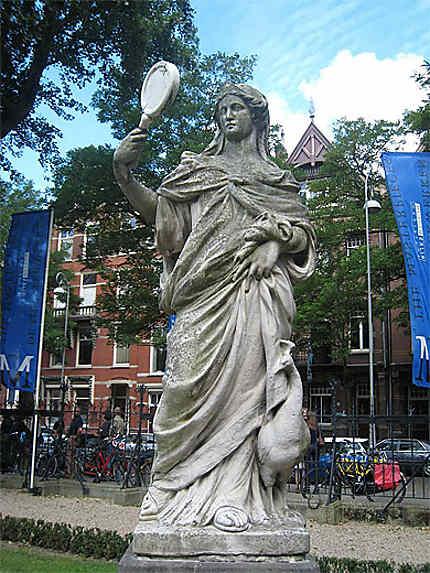 Statue au Rijksmuseum