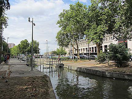 Le Canal du Midi à Toulouse, écluse de Bayard..