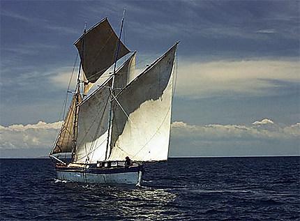 Goélette dans les îles Radama