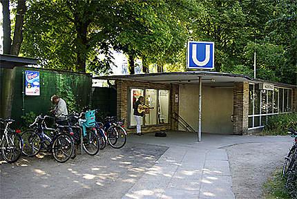 """La station de métro """"Hallerstrasse"""""""