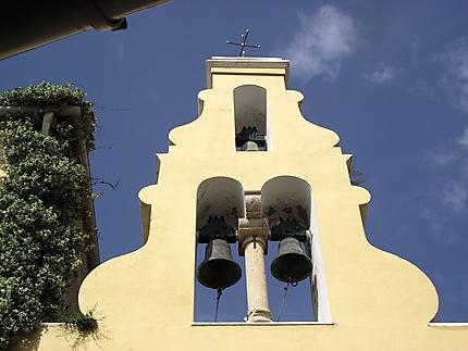 Cloches d'église à Corfou