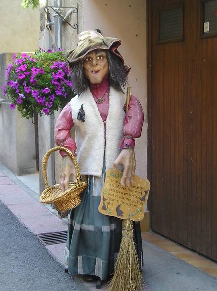 La sorcière des rues de Villefranche-de-Conflent