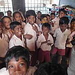 Des écoliers joyeux