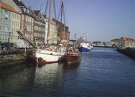 Bateau du port de Nyhavn
