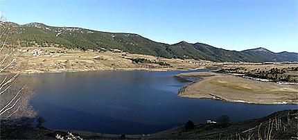La lac de Puyvalador -panoramique