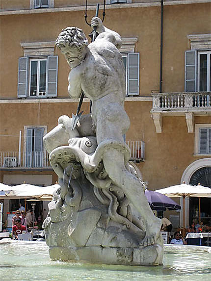 Statue principale de Fontaine de Neptune