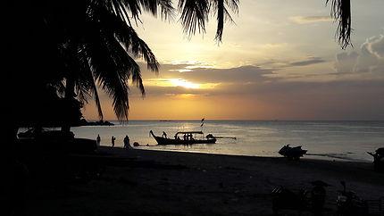 Coucher de soleil dans la baie de Kamala