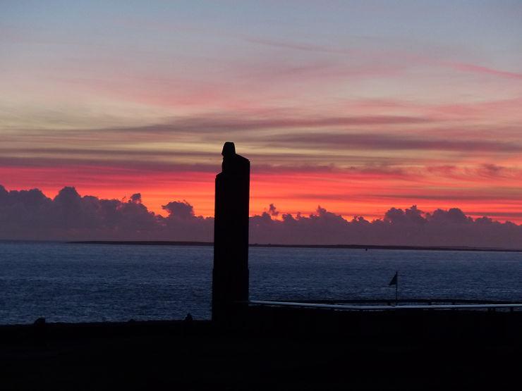 Coucher de soleil à la Pointe Saint-Mathieu, Finistère