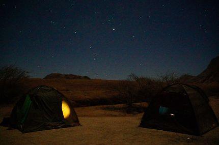 En tentes préalables au Spitzkoppe