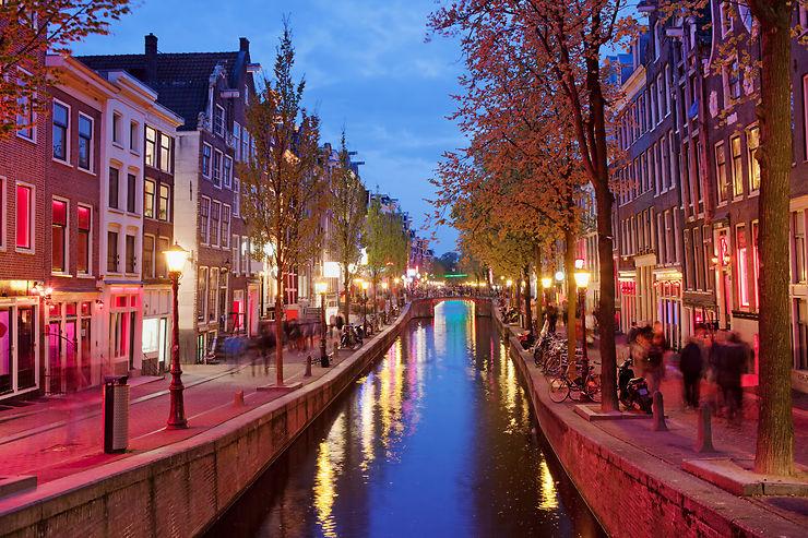 Pays-Bas - Amsterdam va interdire les visites guidées du Quartier rouge