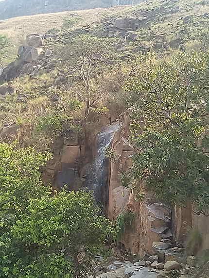 Cascade sur le trajet Manambolo