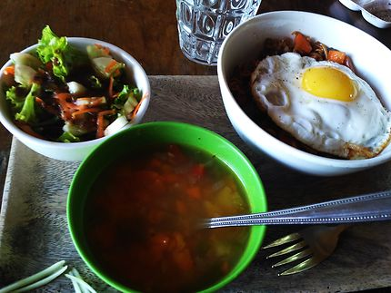 Plateau-repas au Cambodge, à Koh Totang