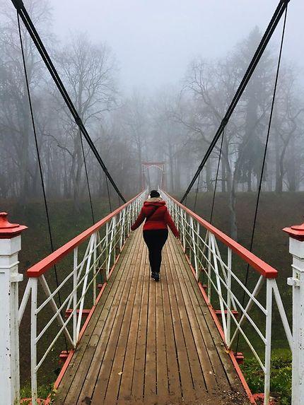 Never look back, pont suspendu à Sigulda