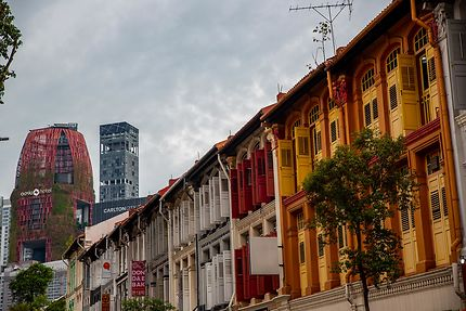 Rue colorée à Singapour