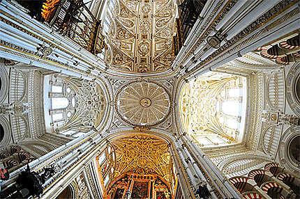 Le plafond de la Mezquita
