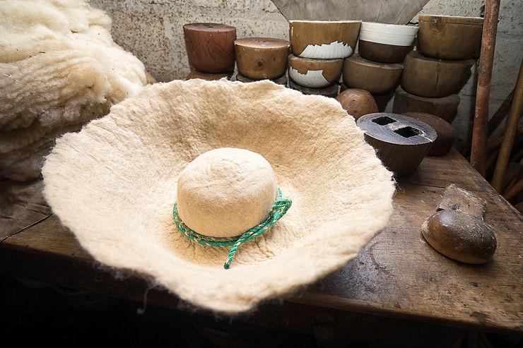 Ilumán : un chamane, des chapeaux
