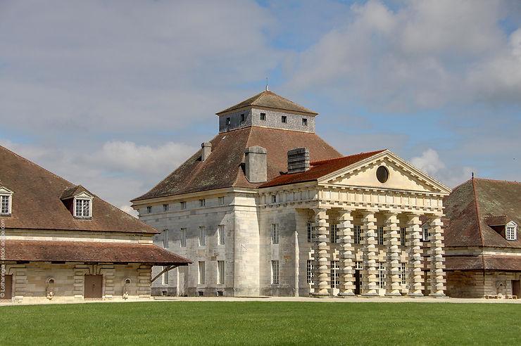 Insolite - Arc-et-Senans : dormir dans un site classé à l'Unesco