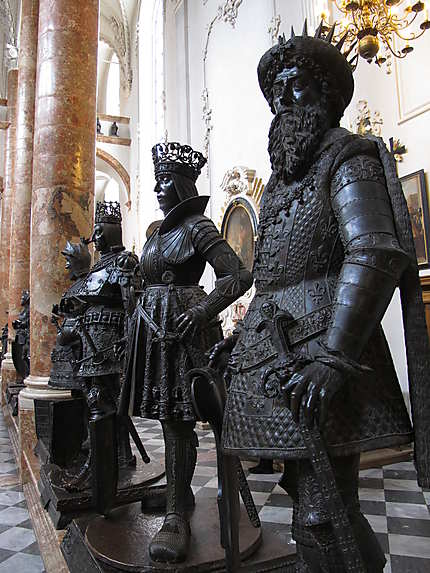 Statues de bronze