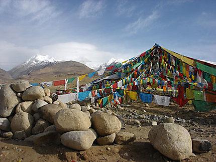 Tibet's flags sur la route de Nam Tso