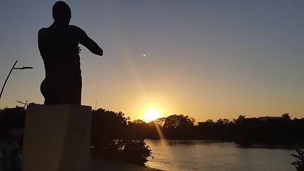 Coucher de soleil sur le rio Sinu à Monteria