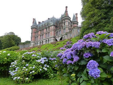 Château Trevarez en pleine saison des Hortensias