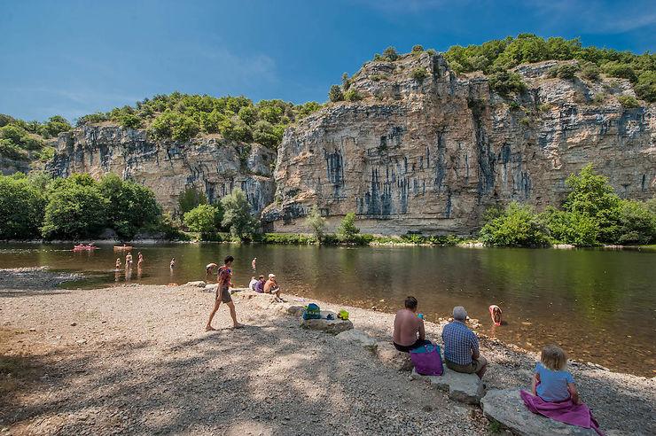Vacances - Vallée de la Dordogne : des plages pour savourer l'été au fil de l'eau