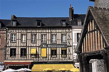 Façades, place Ste-Catherine, Honfleur