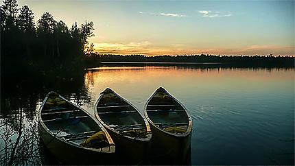 Magnifique coucher de soleil sur la rivière Dumoine