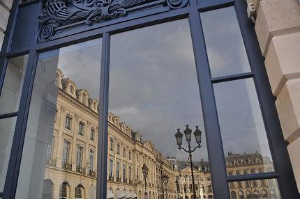 Reflet sur la Place Vendôme
