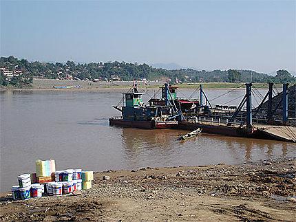 Le port de Chiang Khong