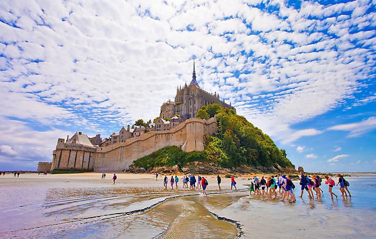"""Résultat de recherche d'images pour """"mont saint michel randonnée"""""""